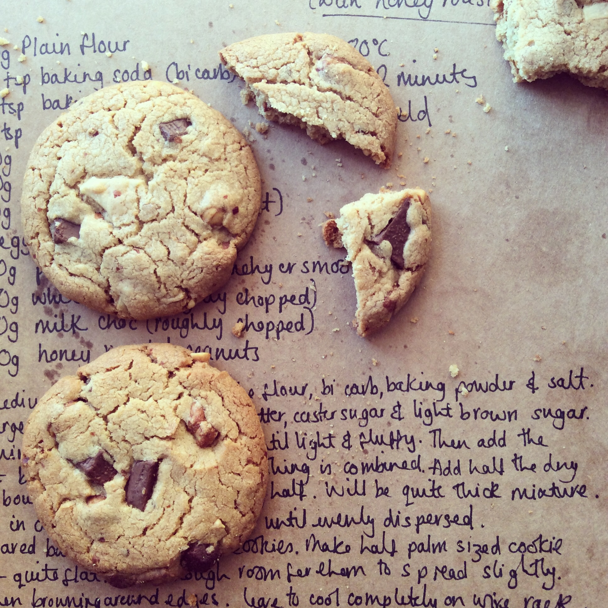 Peanut butter choc chip nut cookies