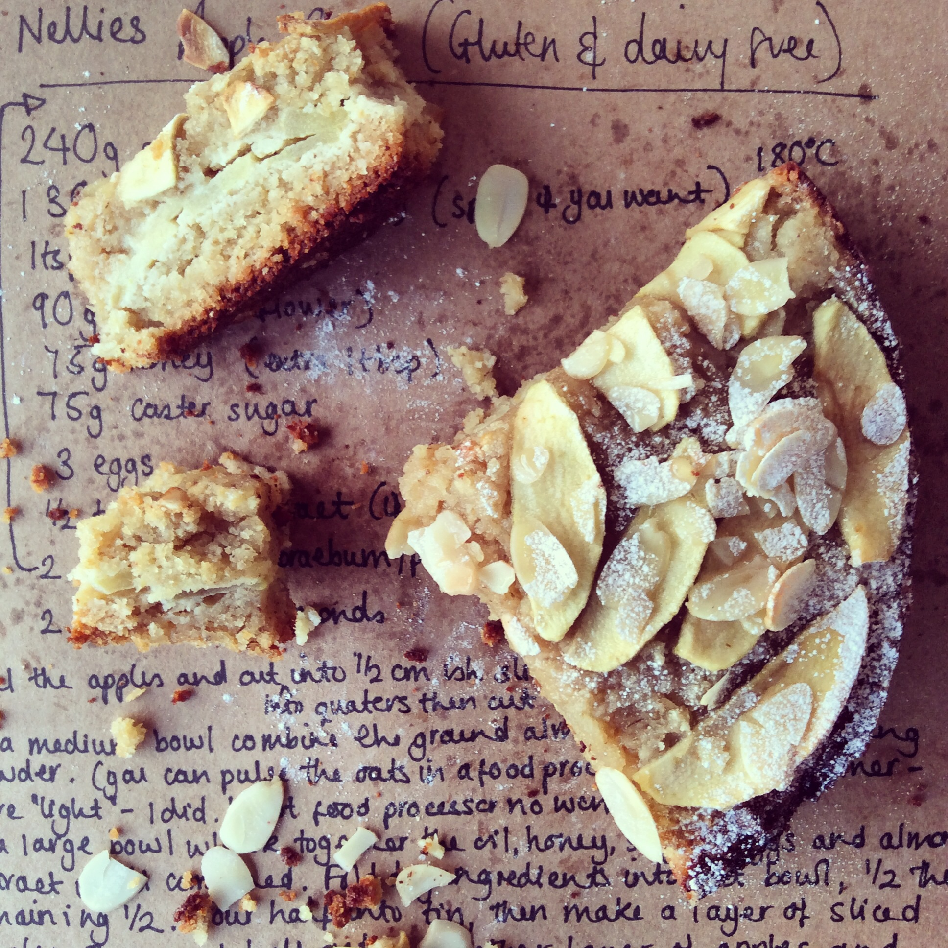 Nellies almond & apple cake
